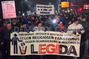 1421930287-thousands-protest-against-legida-march-in-leipzig_6716666
